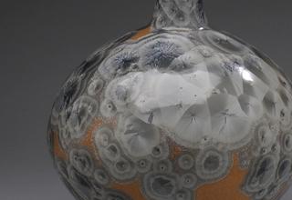 「Vase with silver eyes glaze」陶磁器 H50xW27cm