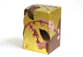 「掌の花-梅-」立体/チンチャン 7×6.5×H10.2cm