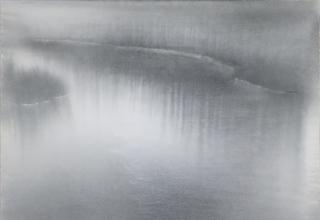 田中みぎわ「霧の音」墨・胡粉/雲肌麻紙  45.5×60.7㎝