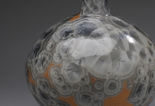 「Vase with silver eyes glaze」陶磁器 H50xW27cm
