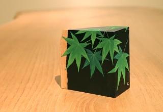 「掌の緑-青もみじⅠ-」日本画 9.4×9.6×D4.8cm