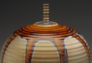 宮村秀明 「jar with gold and brown glaze」 磁器